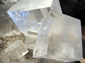 A macro shot of salt crystals taken in the Natural History Museum of Vienna. Source: w?odi via Wikimedia