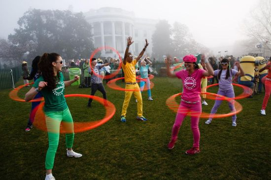 KidTribe hula hoopers photographed by Pete Souza via Wikimedia Commons